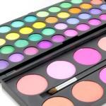 Rainbow Eyes paleta 40 cieni i 10 róży P50